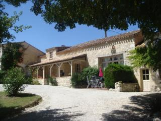 LA Palombe - 17th Century Farmhouse - Montaut vacation rentals