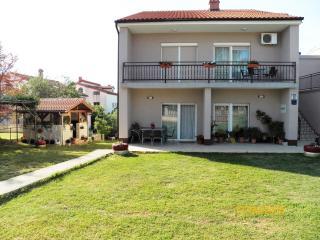 Apartment 2 + 2 people - (112) - Fazana vacation rentals