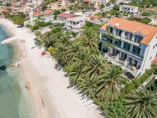 Amazing beach apartment Palms 8 people - Split vacation rentals