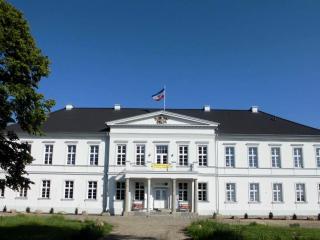 Gutshaus Groß Helle - Neubrandenburg vacation rentals