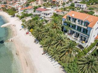 Amazing beach apartment Palms 12 people - Split vacation rentals