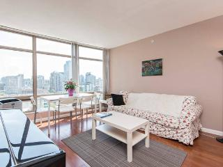 Luxury 2BD 2BA Downtown Vancouver - Vancouver vacation rentals