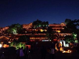 麗江豪华复式城景(独立浴缸、露台) - Lijiang vacation rentals