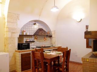 L'Ala del Castello, casetta per 4 in pieno centro - Ostuni vacation rentals