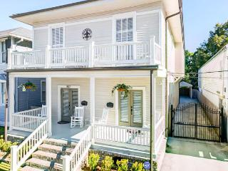2 Bedroom 1.5 bath classic beautifully restored! - New Orleans vacation rentals