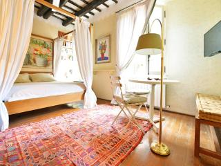 Trastevere cozy studio - Rome vacation rentals