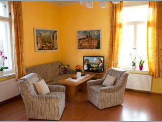 Vacation Apartment in Oschatz - 753 sqft, bright, comfortable, central (# 8565) - Oschatz vacation rentals