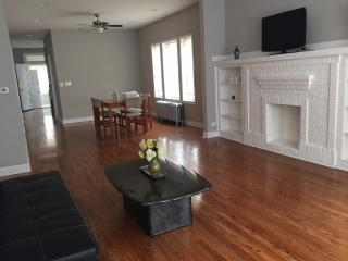 Modern 3BD Apt - Chicago vacation rentals