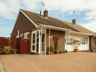 DRIFTWOOD all ground floor, family-friendly, near to beach in Clacton-on-Sea Ref 919218 - Clacton-on-Sea vacation rentals