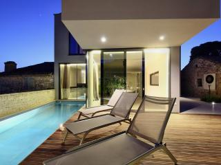 Modern design villa near Porec with breathtaking sea views from roof jacuzzi - Mugeba vacation rentals