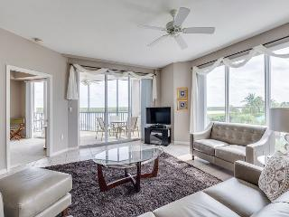 Waterside 324, 2nd Floor, Gym, Elevator, Heated Pool - Fort Myers Beach vacation rentals