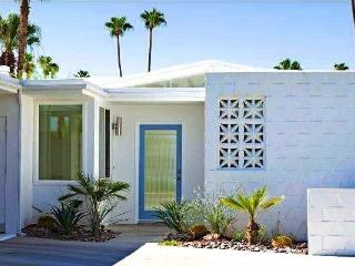 The White House - Mid Century Palmer Krisel - Palm Springs vacation rentals