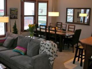 Deluxe townhome private hot tub, garage and BBQ - Silver Star Mountain vacation rentals