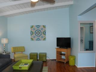 Cozy 1 Bdrm Cottage 1 Block from Beach Nestled - Mission Beach vacation rentals