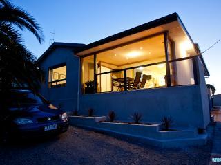 Unwind @ Ocean Views Pet Friendly - Port Lincoln vacation rentals