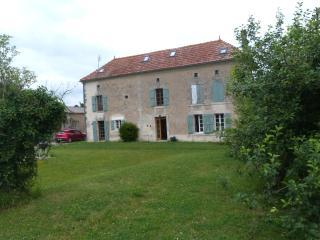 Chez Julien - Barbezieux-Saint-Hilaire vacation rentals