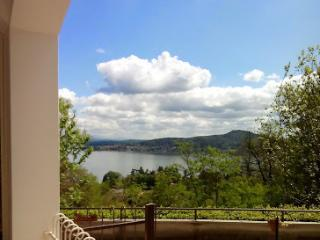 Appartamento su 2 livelli con balcone - Meina vacation rentals