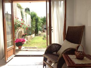 Studio in Vallauris, Cannes - Grasse - Antibes - Chateauneuf de Grasse vacation rentals