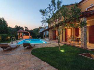 Apartment Oliva with pool, Volme, Medulin, Istria - Banjole vacation rentals