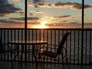 2 Bedroom/2 Bath Waterfront Condo - Sanibel Island vacation rentals