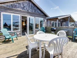 Ocean view, private hot tub, pet-friendly! - Rockaway Beach vacation rentals