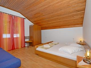 Apartments and Rooms Stjepan - 31771-S1 - Zastrazisce vacation rentals