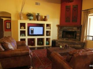 Large, Spacious Private Home at Soldier Trail and Tanque Verde, Near The 49er Country Club - Tucson vacation rentals