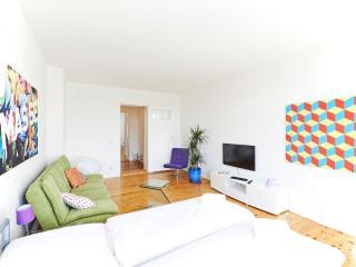 TOPFLAT VII - Warschauer Strasse - 2 room for 6 p. - Berlin vacation rentals