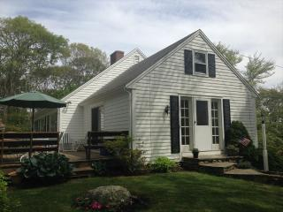 1/2 MILE to PRIVATE RACING BEACH, SLEEPS 9,NICE! 126523 - Falmouth vacation rentals