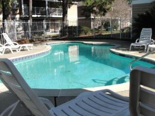15 Mins. from New Orleans. Great Food - New Orleans vacation rentals