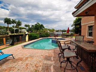 Beautiful Large 5 Bedroom 5 Bath Home on the Water - Pompano Beach vacation rentals
