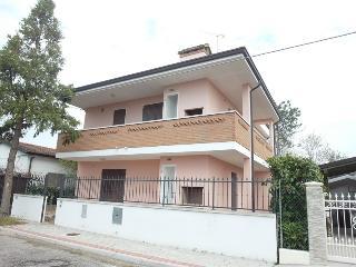 BELLA VILLETTA NUOVA COSTRUZIONE - Lido di Pomposa vacation rentals