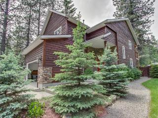 Close to the resort, trails, and lake - with jetted tub! - Sandpoint vacation rentals
