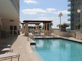 Luxurious waterfront Penthouse, 3/2 sleeps 8!! - Miami vacation rentals