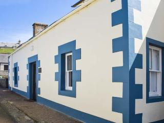 HARBOURS REACH, coastal, character, WiFi, off road parking, pet-friendly cottage in Findochty near Buckie, Ref. 915711 - Portnockie vacation rentals
