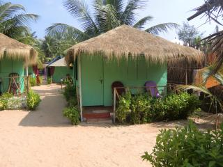 Budget huts - DucknChill-Agonda - Agonda vacation rentals