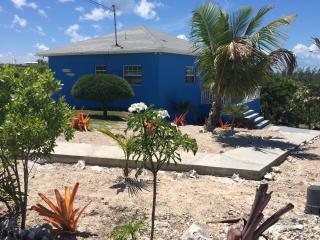 Blueskies, A Cozy Vacation House In Rainbow Bay - Eleuthera vacation rentals