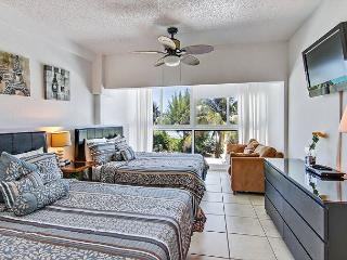 Amazing Two Story Townhouse with Ocean view Terrace on the Beach ! - Miami Beach vacation rentals