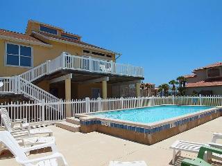 Mariners Watch,Private Pool, Beach Walkover, Huge outdoor decks, Pet Friendly - Port Aransas vacation rentals