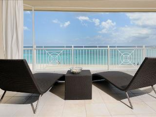 7 mile Luxury Condo with incredible views! - George Town vacation rentals