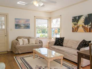Historic Pass-a-Grille, Literally Seconds to Beach - Saint Pete Beach vacation rentals