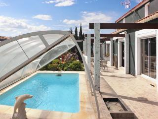 Naturist villa by the Aude coast w/ 3 bedrooms, private pool and garden – near Perpignan, Narbonne - Treilles vacation rentals