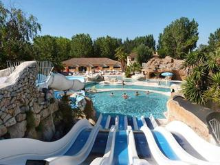 Bright holiday home in Camping Les Sables d'Or, Agde, w/ pool & water-slide access – 700m from beach - Agde vacation rentals