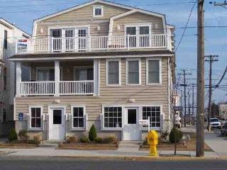 Large Ocean City Condo Close to All - Ocean City vacation rentals
