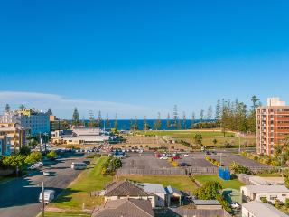 Ocean Views Walk to CBD and Beach NE aspect WiFi - Port Macquarie vacation rentals