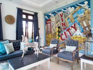 Padi Hijau, Antique furnished 3 BDR pool villa - Kerobokan vacation rentals