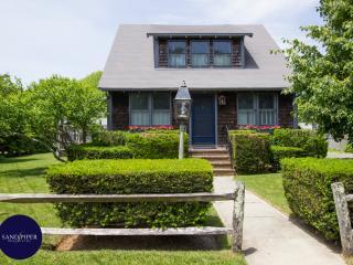 130 - Lovely Downtown Edgartwon Gem - Edgartown vacation rentals