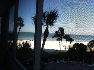 Renovated, Fantastic Gulf view and beach property - Siesta Key vacation rentals