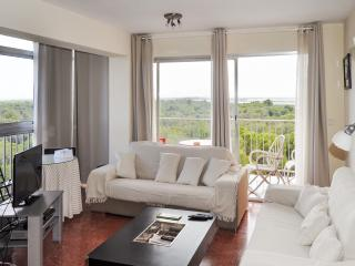 Spacious apartment just outside Valencia w/ sea-view terrace, WiFi, pool & tennis – 500m from beach - Valencia vacation rentals