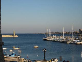 Single / double / triple private bedrooms in Bari - Bari vacation rentals